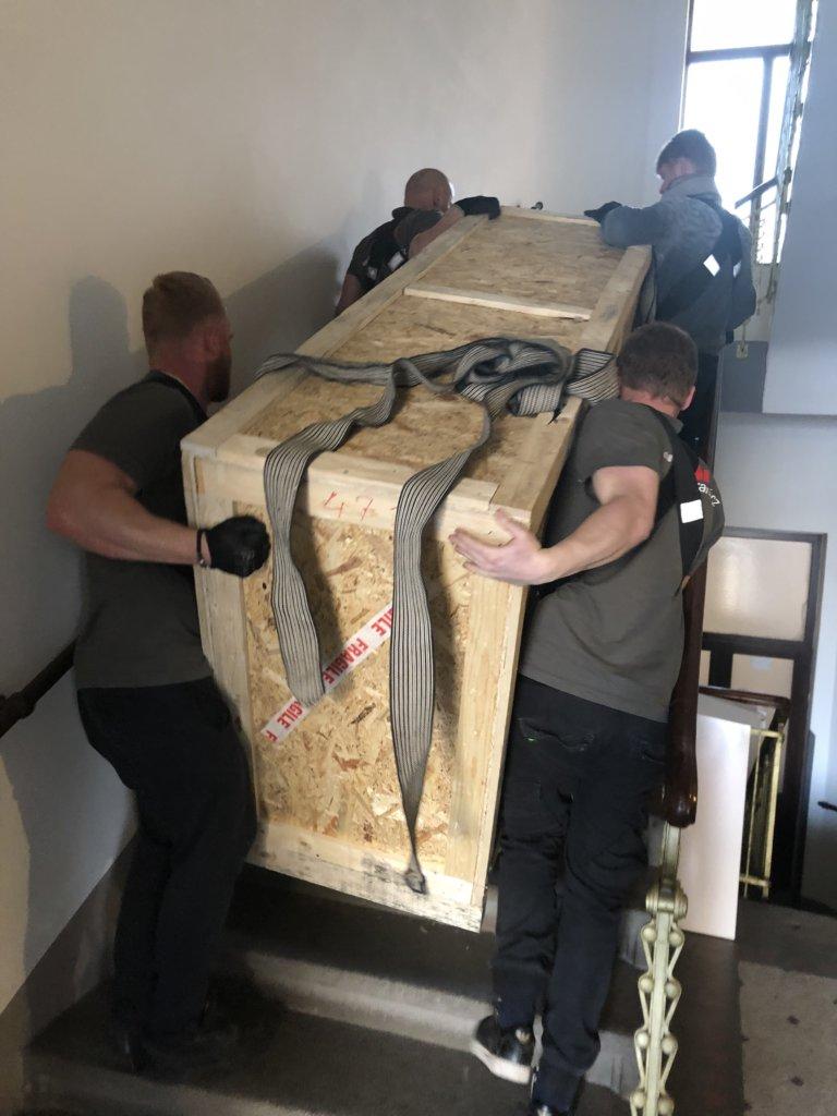 stěhování těžký nábytek